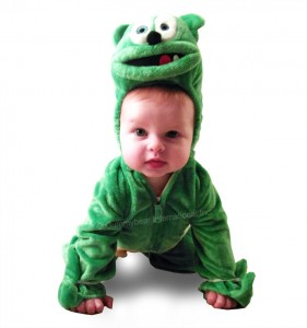 baby-costume-crawling-800